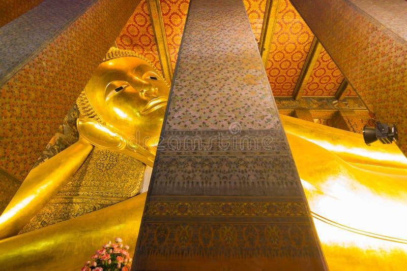 Wat Pho oder der offizielle Name ist Wat Pho, da der älteste Tempel zu einem Paar Haupt ist, Wat Pho ein populäres mit Besuchern lizenzfreie stockbilder