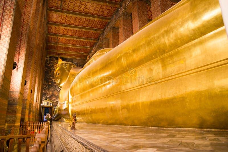 Wat Pho oder der offizielle Name ist Wat Pho, da der älteste Tempel zu einem Paar Haupt ist, Wat Pho ein populäres mit Besuchern lizenzfreies stockbild