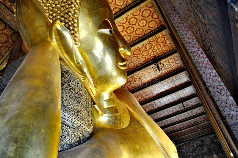 Wat Pho Reclining Buddha Bangkok Tailândia imagem de stock