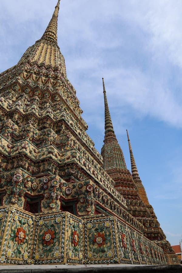 Wat Pho Temple des st?tzenden Buddhas oder des Wat Phra Chetuphons, befindet sich hinter dem Tempel Emerald Buddhas und a m?ssen- stockfotos