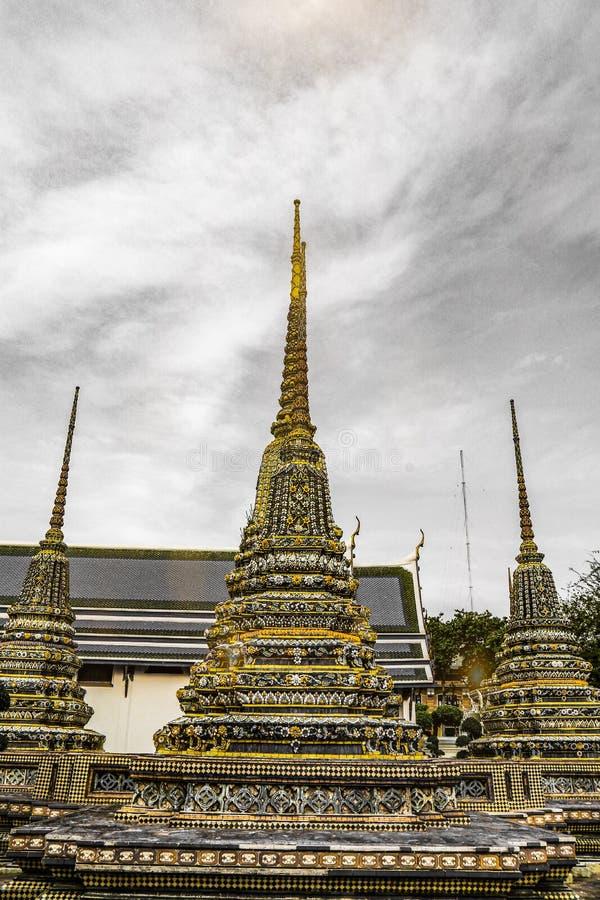 Wat Pho Temple des st?tzenden Buddhas oder des Wat Phra Chetuphons, befindet sich hinter dem Tempel Emerald Buddhas und a m?ssen- lizenzfreie stockfotografie