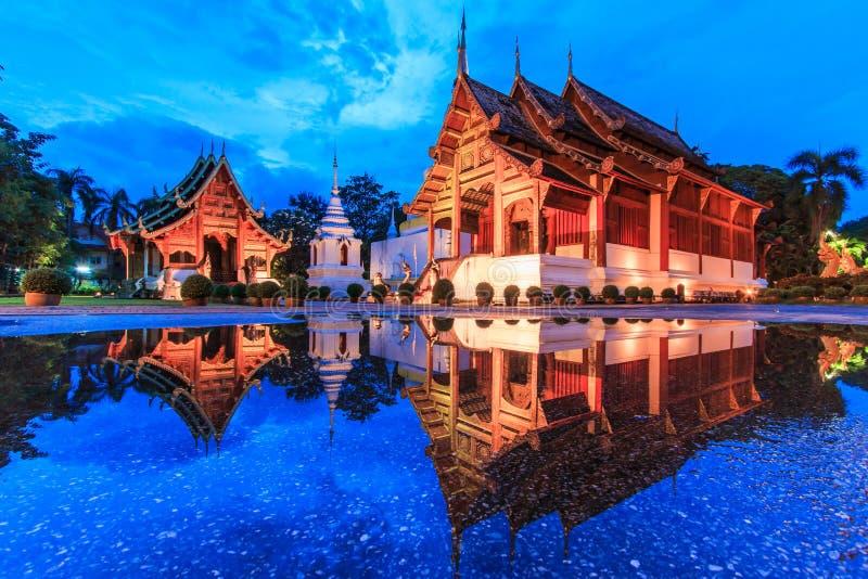 Wat Phra唱歌与水反射 库存照片