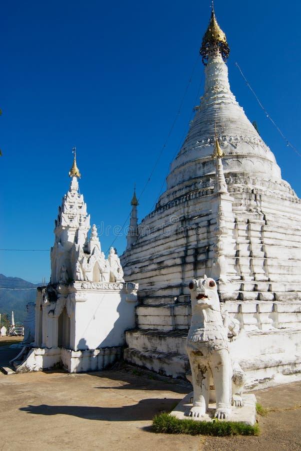 Wat Phra土井戈公岛Mu寺庙在夜丰颂,泰国 图库摄影