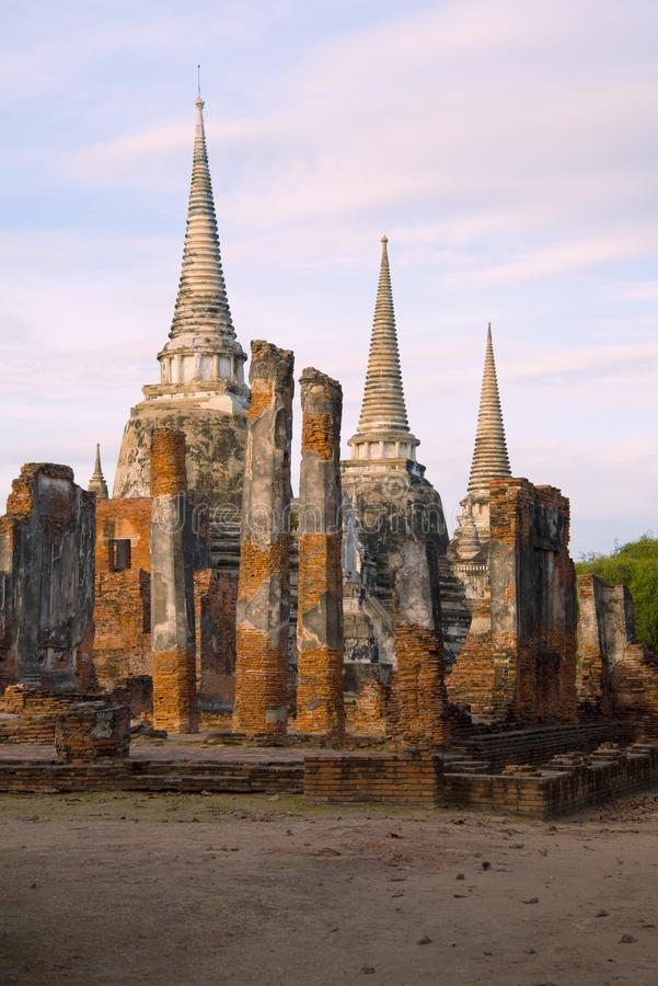 Wat Phra斯里Sanphet佛教寺庙的废墟的看法  ayutthaya泰国 免版税图库摄影