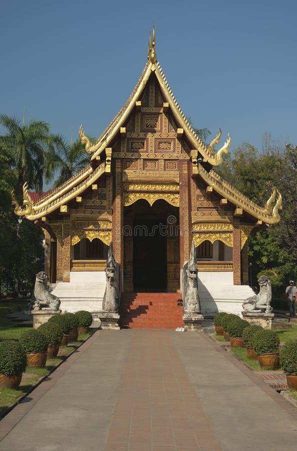 Download Wat Phra辛哈 库存照片. 图片 包括有 旅游业, 寺庙, 纪念碑, 精神, 石头, 拱道, 设计 - 30338386