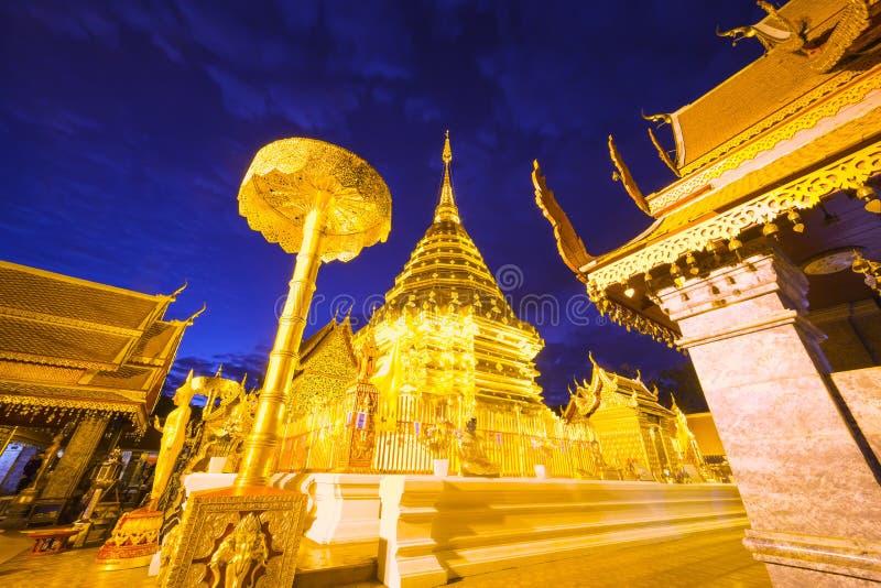 Download Wat Phra那个土井素贴寺庙 库存照片. 图片 包括有 佛教, 寺庙, 装饰, 天空, 结构, 晚上 - 72370106