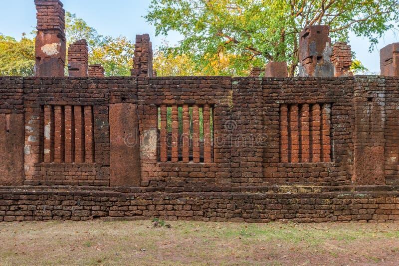 Wat Phra非斜倚的菩萨寺庙在甘烹碧府历史公园,联合国科教文组织世界遗产名录站点 免版税库存照片