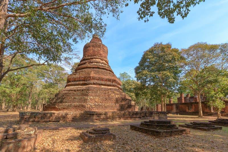 Wat Phra非斜倚的菩萨寺庙的塔在甘烹碧府历史公园,联合国科教文组织世界遗产名录站点 库存照片