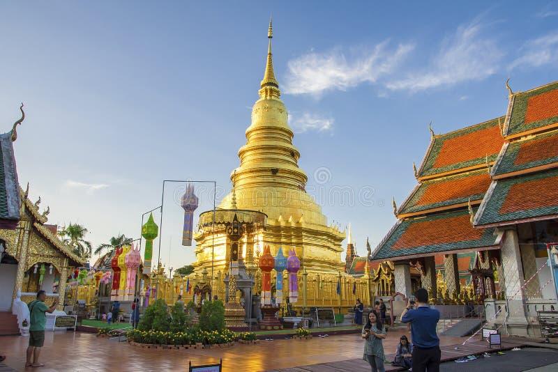 Wat Phra которое Hariphunchai, Lamphun, Таиланд стоковые фотографии rf