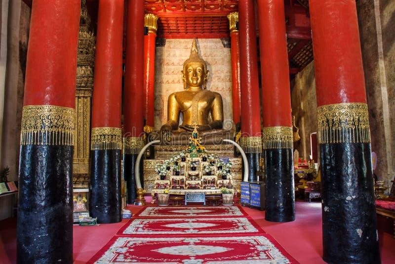 Wat Phra That Chang Kham, distrito de Muang, Nan Province, Tailândia O templo é um lugar público Criado sobre 100 anos velho fotografia de stock royalty free