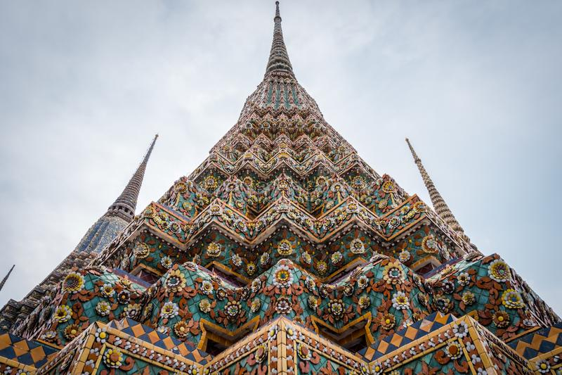 Wat Phra Chetuphon Wat Pho eller Wat Phra Chetuphon Vimolmangklararm Rajwaramahaviharn arkivbild