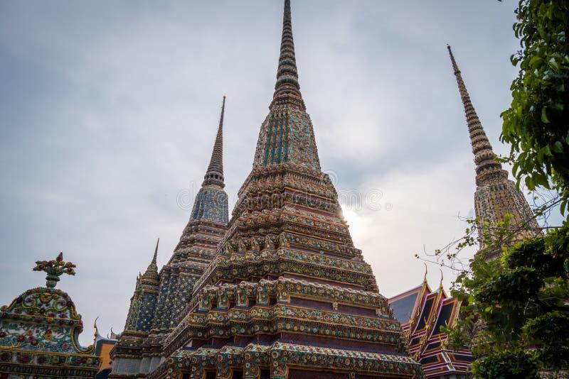 Wat Phra Chetuphon Wat Pho o Wat Phra Chetuphon Vimolmangklararm Rajwaramahaviharn imagen de archivo