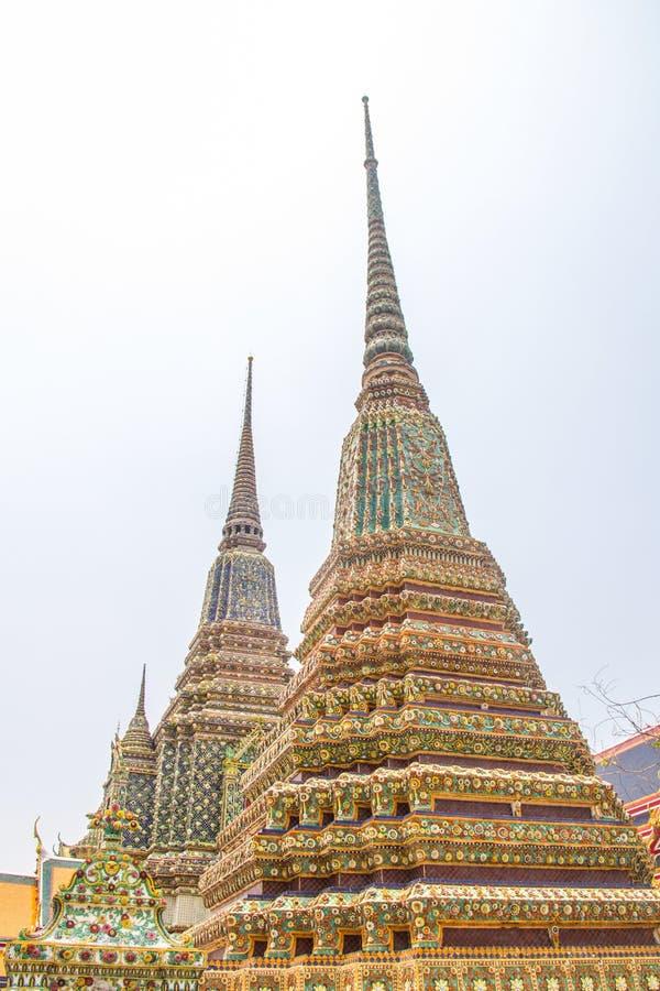 Wat Phra Chetuphon Vimolmangklararm Rajwaramahaviharn y x28; Wat Pho y x29; imagen de archivo libre de regalías
