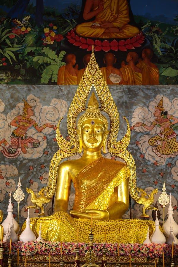 Wat Phra That Cho Hae tempel i Phrae på Thailand royaltyfria bilder