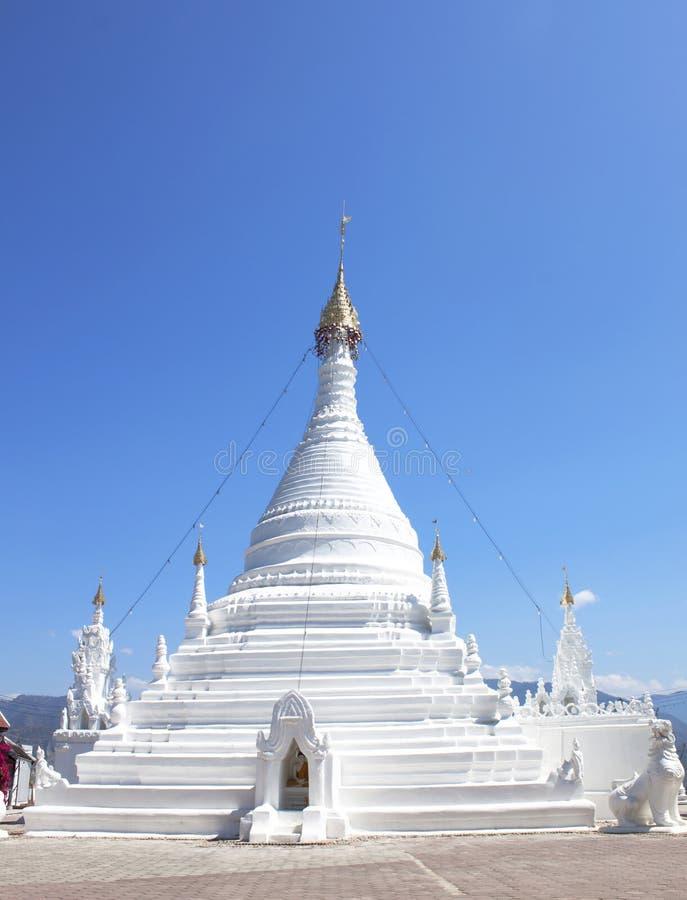 Wat Phra den Doi Kong Mu royaltyfri bild