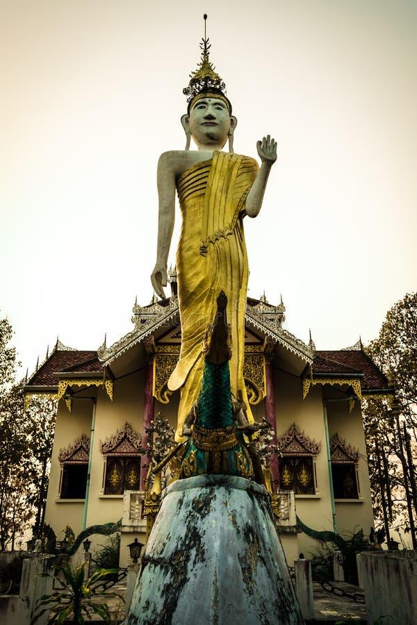 Wat Phra That Doi Kham MU è tempie popolari di rendere l'omaggio a molta bella Mae Hong Son scenica, Tailandia Wat Prathat Do immagine stock libera da diritti