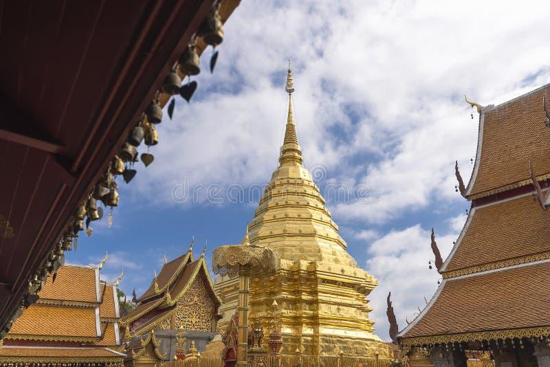 Wat Phra That Doi Suthep, templo popular em Chiang Mai, Tailândia foto de stock
