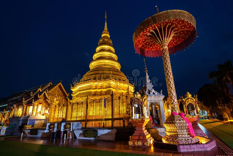 Wat Phra That Hariphunchai-tempel in Lamphun, Thailand royalty-vrije stock fotografie