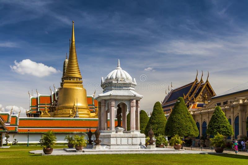 Wat Phra Kaeo, висок изумрудного Будды Бангкок стоковые фотографии rf