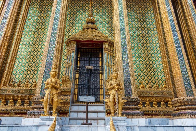 Wat Phra Kaeo, palácio Banguecoque-grande & templo de Emerald Buddha ou de Wat Phra Kaeo em Banguecoque, Tailândia imagem de stock royalty free