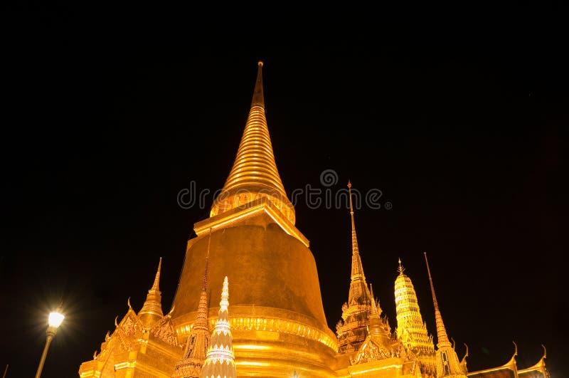 Download Wat Phra Kaew In Bangkok At Night Stock Photo - Image: 22382178