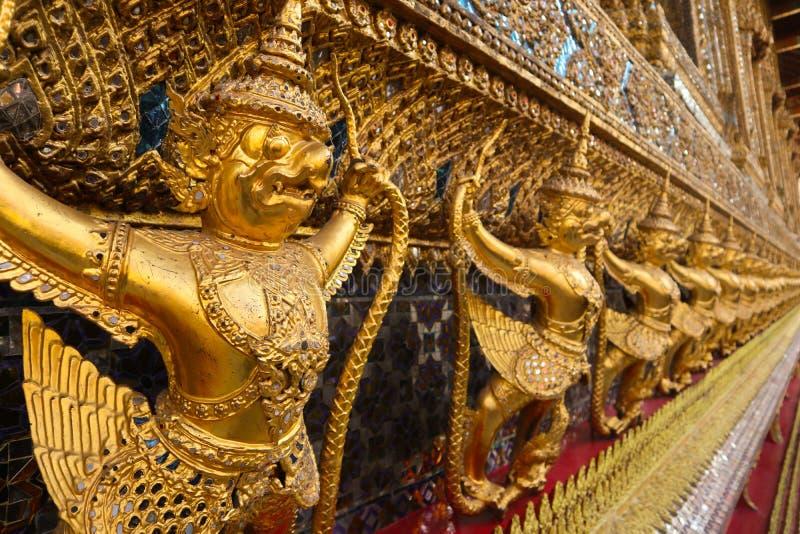 Wat Phra Kaew, conosciuto comunemente in inglese come il tempio di Emerald Buddha o di grande palazzo ? considerare come la maggi fotografie stock libere da diritti