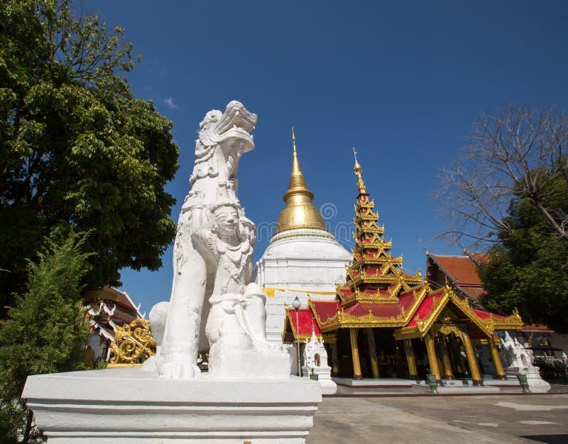 Wat Phra Kaew Don Tao przy Lampang obraz royalty free