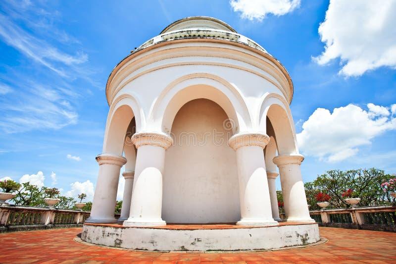 Wat Phra Kaew i Khao Wang Phra Nakhon Khiri Historical parkerar royaltyfri fotografi