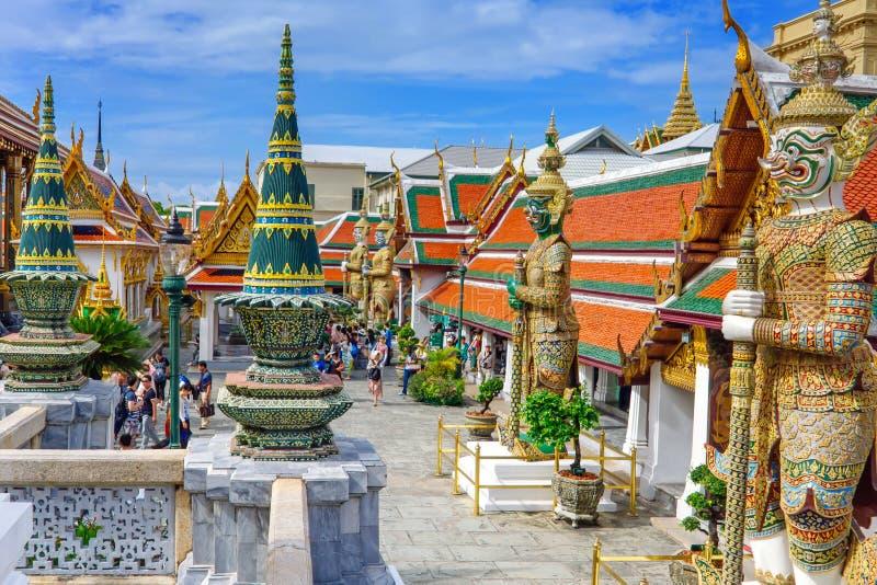 Wat Phra Kaew, il grande palazzo, il tempio più famoso e punto di riferimento della Tailandia immagine stock libera da diritti
