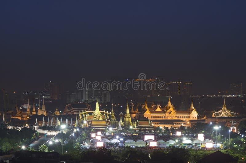 Wat Phra Kaew och storslagen slott, landfläck av Bangkok, Thailand royaltyfria bilder