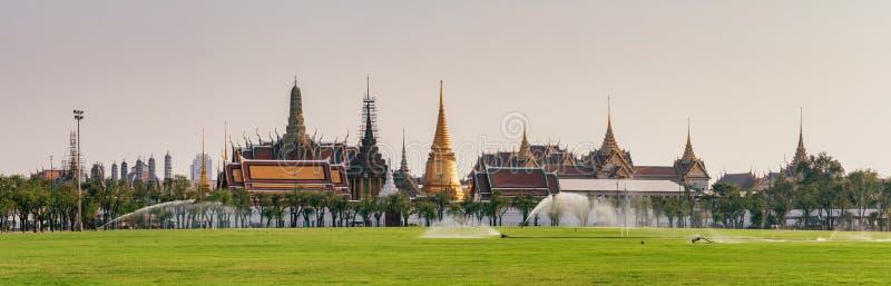 Wat Phra Kaew tempel av Emerald Buddha i Bangkok, Thailand arkivbild