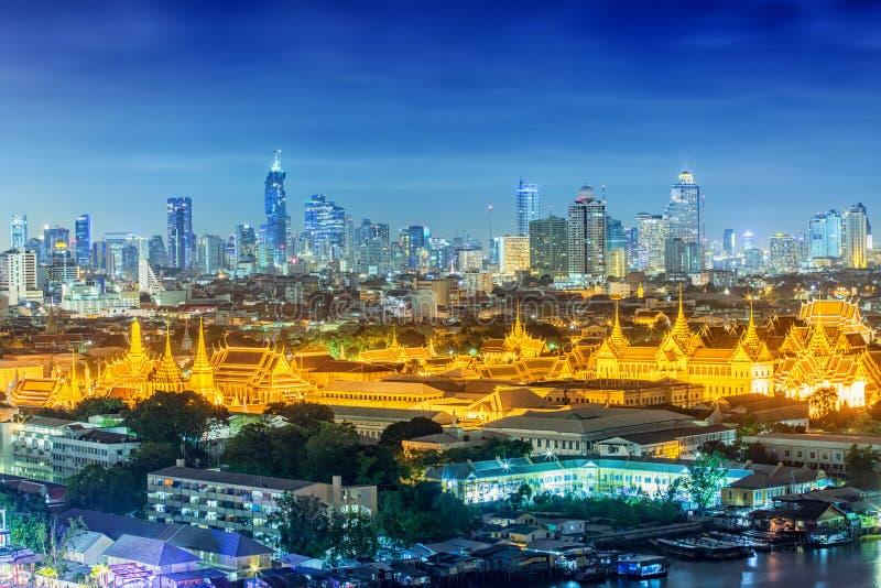 Download Wat Phra Kaew, Temple D'Emerald Buddha, Palais Grand Image stock - Image du lumière, horizon: 76077083
