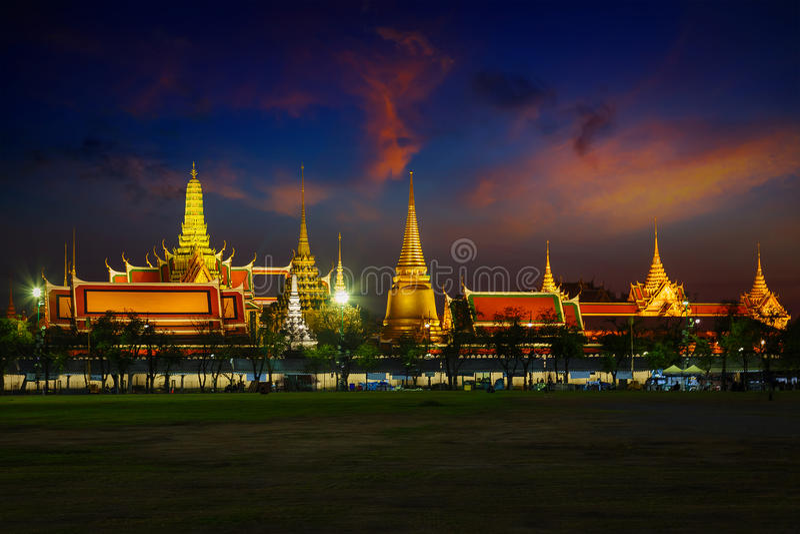 Wat Phra Kaew - templet av Emerald Buddha i Bangkok royaltyfria foton