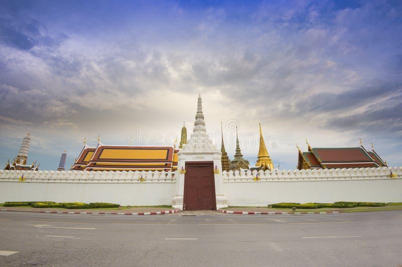 Download Wat phra kaew stock image. Image of landmark, night, buddhism - 61645909