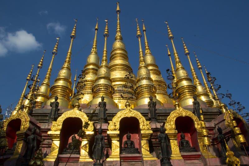 Wat Phra Mongkol Kiri Phrae landskap, Thailand royaltyfri foto