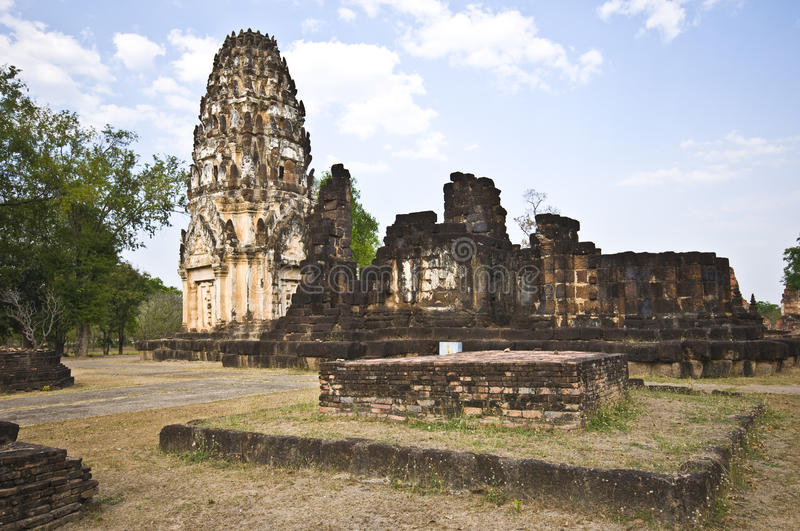 Download Wat Phra Phai Luang stock photo. Image of ruins, temple - 19128052