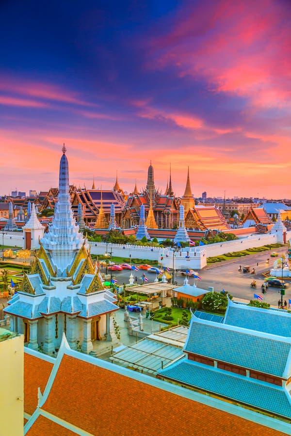 Wat Phra Si拉塔纳Satsadaram或曼谷玉佛寺 图库摄影