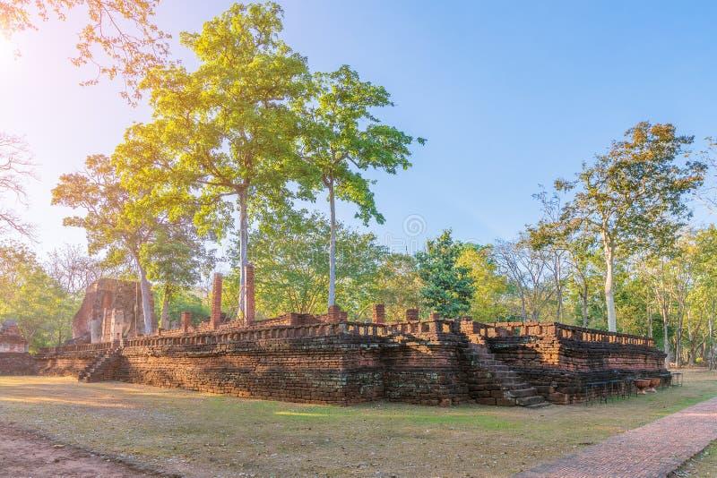 Wat Phra Si Ariyabot寺庙在甘烹碧府历史公园,联合国科教文组织世界遗产名录站点 图库摄影