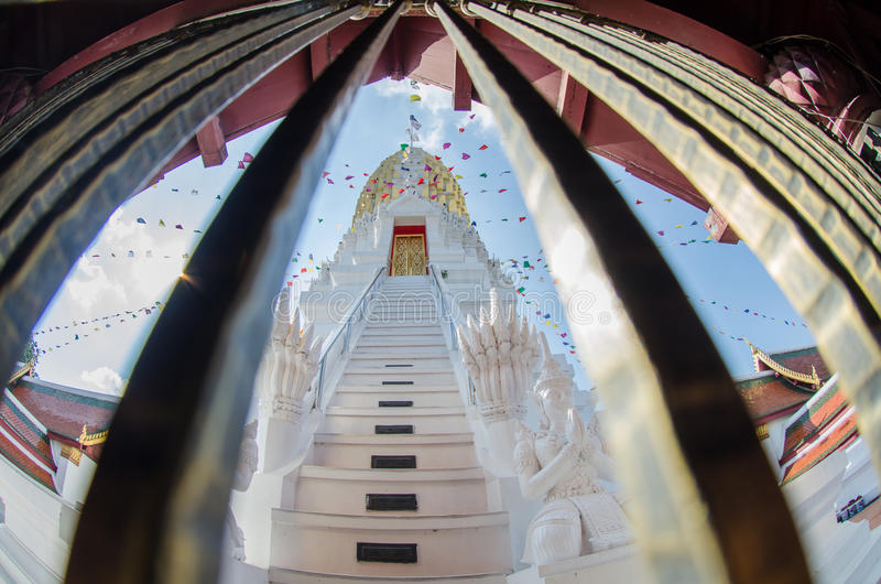 Wat Phra Si Rattana Mahathat Phitsanulok i Thailand royaltyfria foton