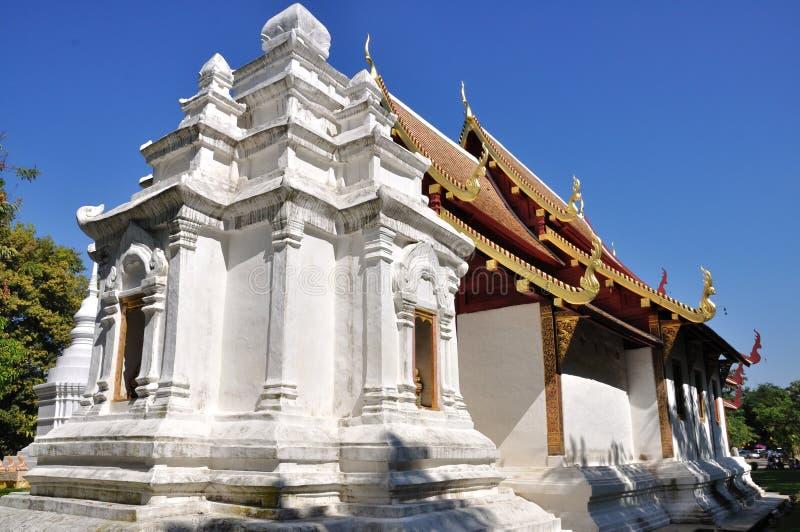 Download Wat Phra Singh imagem de stock. Imagem de pagoda, bonito - 29825449