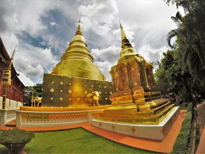 Wat Phra Singh туристский висок в древнем городе Чиангмая стоковое изображение rf