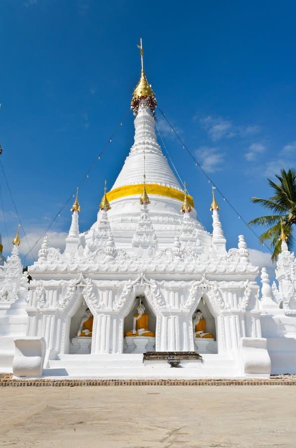Wat Phra som Doi Kong Mu tempel, Thailand. royaltyfria bilder