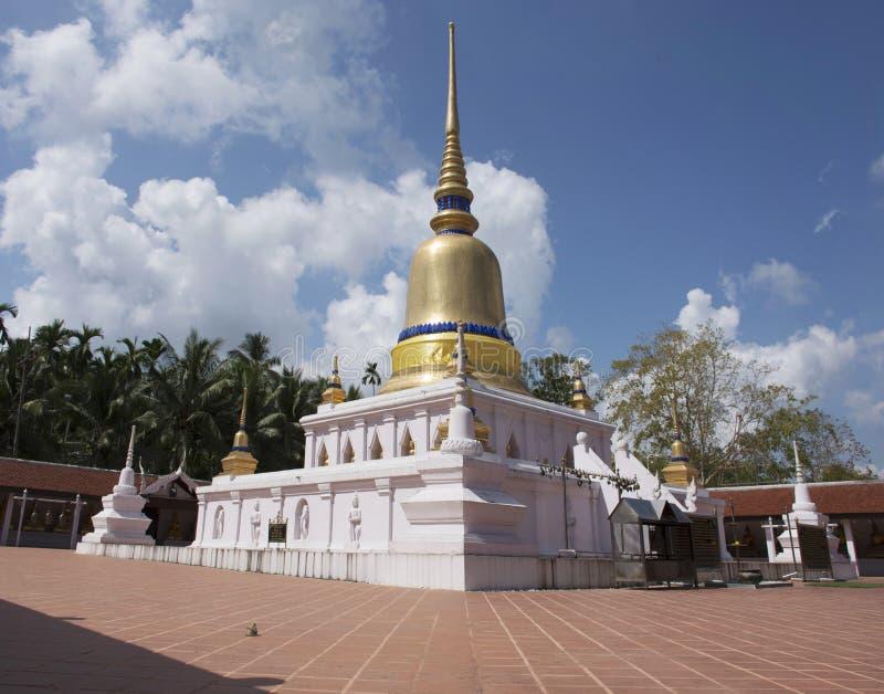 Wat phra som sawitempel i Chumphon, Thailand arkivfoto