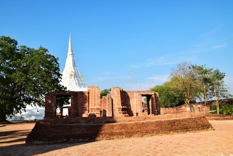 Wat Phu Khao Thong, Ayutthaya, Tailandia fotografie stock libere da diritti