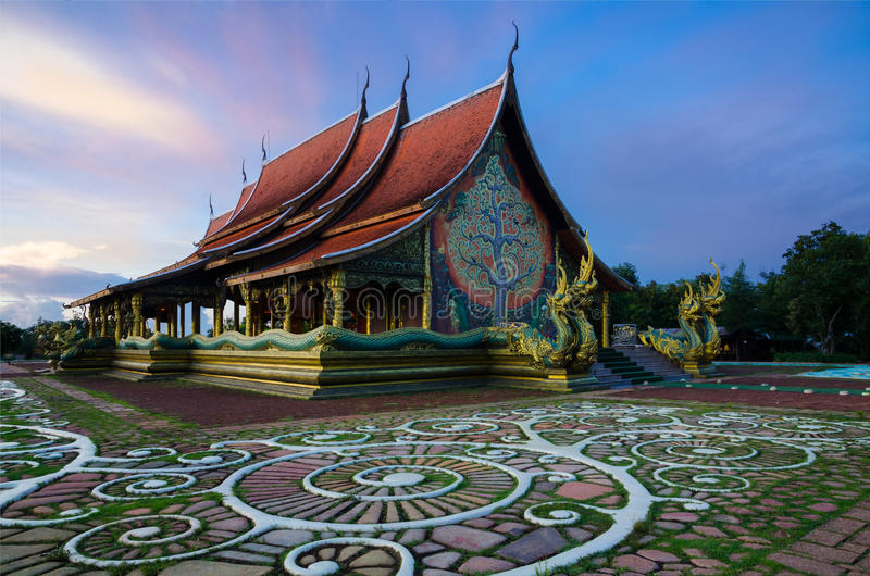 Wat Phu Praw, tempel in Ubonratchathani-provincie, Thailand stock foto's