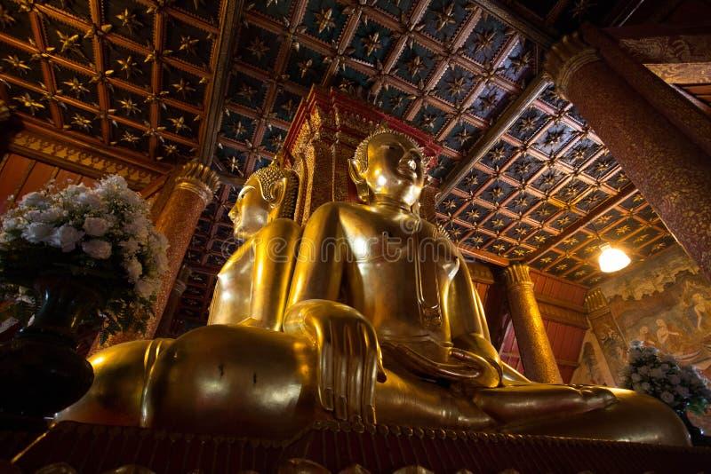 WAT PHUMIN - 4 ЗАДНИХ CONECTING BUDDHAS стоковая фотография