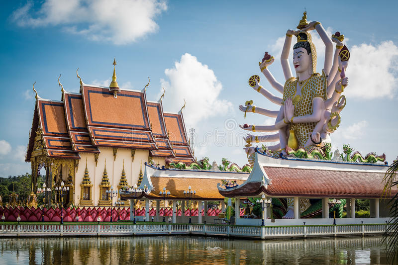 Wat Plai Laem tempel i Koh Samui, Surat Thani, Thailand fotografering för bildbyråer