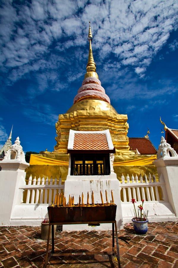 Wat Pong Sanook in Lampang, Thailand stockbild
