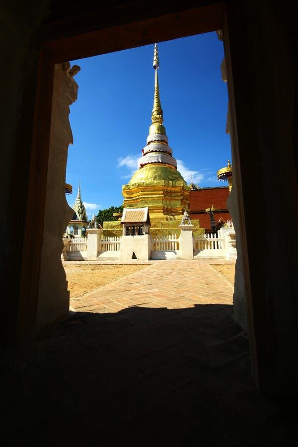 Wat Pong Sanook TAI Lampang imagens de stock