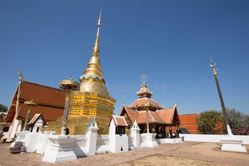 Wat PongSanuk em Lampang, Tailândia imagem de stock royalty free